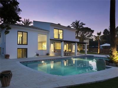 Vivienda unifamiliar for sales at Villa totalmente reformada con calidad muy alta  Marbella, Costa Del Sol 29660 España