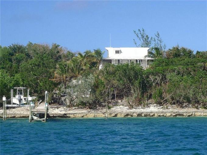 Nhà ở một gia đình for sales at Troglodyte  Man-O-War Cay, Abaco . Bahamas