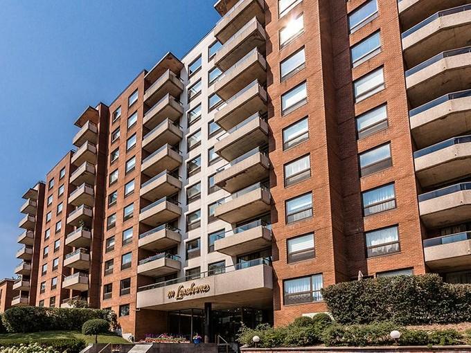 Condominium for sales at Westmount 200 Av. Lansdowne, apt. 701 Westmount, Quebec H3Z 2E1 Canada