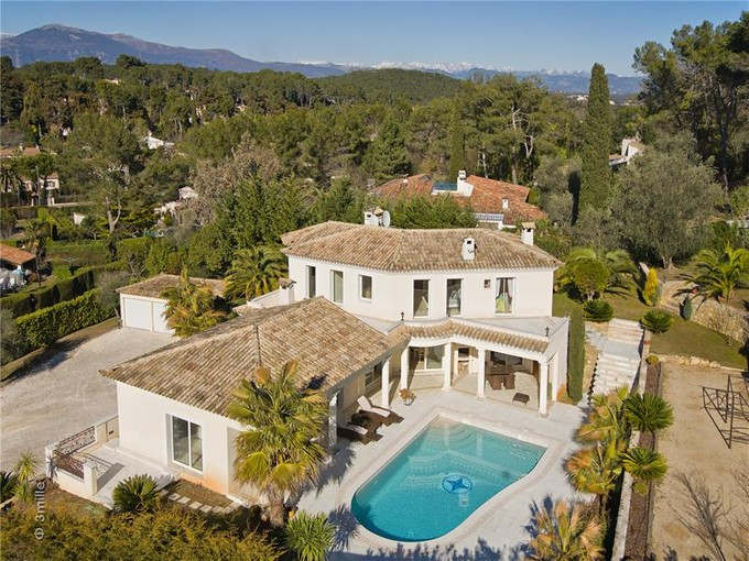 Single Family Home for sales at JOINT AGENCY - VERY NICE PROPERTY CLOSE TO GOLF    Mougins, Provence-Alpes-Cote D'Azur 06250 France