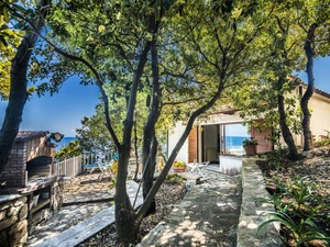 Additional photo for property listing at Exclusive Villa pieds dans l'eau in Elba Island Marciana Marina Marciana Marina, Livorno 57033 Itália