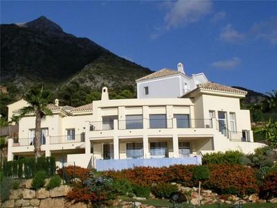 Vivienda unifamiliar for sales at Villa preciosa en una urbanizacion cerrada  Marbella, Costa Del Sol 29611 España