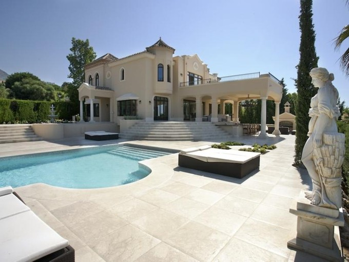 Single Family Home for rentals at Superb villa designed in a classical style  Marbella, Costa Del Sol 29600 Spain