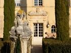 Viñedo for  sales at Provencal Chateau  Gordes, Provincia - Alpes - Costa Azul 84220 Francia