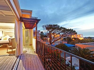 一戸建て for sales at Exotic Stylish Bakoven Villa  Cape Town, 西ケープ 8005 南アフリカ