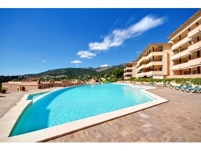Coopérative for sales at Garden Apartment in Gated Community in Bendinat  Calvia, Majorque 07181 Espagne