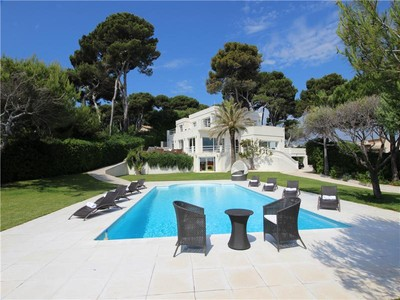 Other Residential for sales at Luxury Contemporary Villa with Panoramic Sea Views  Cap D'Antibes, Provence-Alpes-Cote D'Azur 06600 France