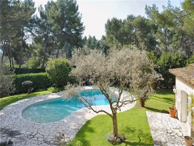 Otras residenciales for sales at Beautiful Provencal villa in a private estate   Mougins, Provincia - Alpes - Costa Azul 06250 Francia