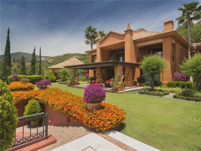 Villa for sales at A real estate jewel   Benahavis, Costa Del Sol 29679 Spagna