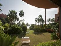 Appartement for sales at Frontline Beach apartment in 24 hour security urba  Marbella, Costa Del Sol 29660 Espagne