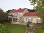 Villa for  sales at Upper Constantia Property Family Home  Cape Town, Capo Occidentale 7806 Sudafrica