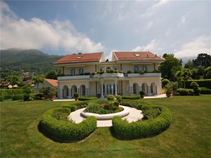 Single Family Home for sales at Luxury property with unimpeded view in upmarket ar Blonay, VD 1807 Switzerland