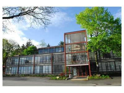 Commercial for sales at 822 Boylston Street  Brookline, Massachusetts 02467 United States