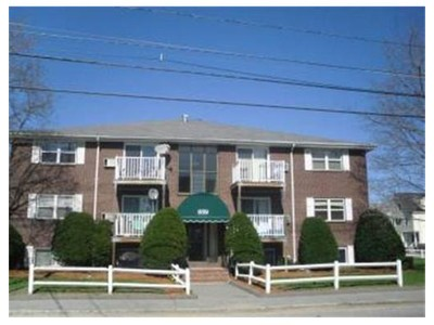 Rentals for rentals at 859 Lakeview Avenue  Lowell, Massachusetts 01854 United States