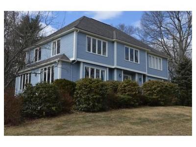 Einfamilienhaus for sales at 7 Walnut Hill Road  Millis, Massachusetts 02054 Vereinigte Staaten
