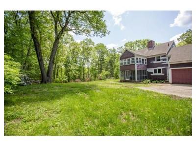 Land for sales at 12 Pelham Rd  Weston, Massachusetts 02493 United States