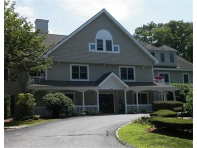 Co-op / Condo for sales at 140 Lincoln Rd.  Lincoln, Massachusetts 01773 United States