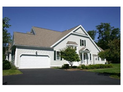 Co-op / Condo for sales at 5 Lois Lane  Norfolk, Massachusetts 02056 United States