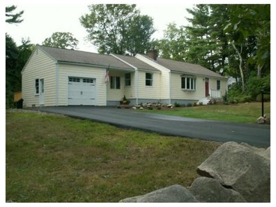 Single Family for sales at 11 Old Oaken Bucket Rd  Norwell, Massachusetts 02061 United States