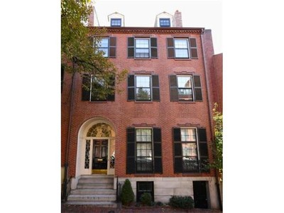 Single Family Home for  at 14 Chestnut Street  Boston, Massachusetts 02108 United States