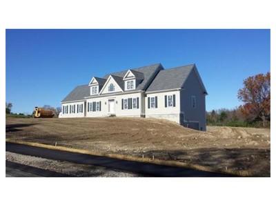 Einfamilienhaus for sales at 9 Evergreen Ter.  Millis, Massachusetts 02054 Vereinigte Staaten
