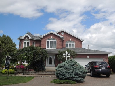 Unifamiliale for a-vendre at 54 Rue Galarneau  Victoriaville, Quebec G6S 1G3 Canada