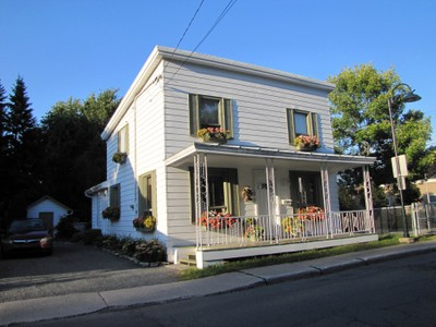 Unifamiliale for a-vendre at 49 Rue Pierre-Boucher  Boucherville, Quebec J4B 5A8 Canada