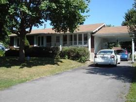 Bungalow for a-vendre at 79 Rue Poirier  Saint-Jean-Sur-Richelieu, Québec J3B 4E9 Canada