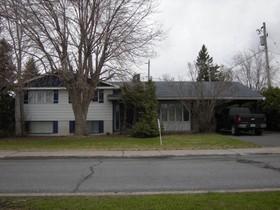 Bungalow for a-vendre at 532 Rue De La Neuve-France  Saint-Jean-Sur-Richelieu, Québec J3B 1A8 Canada
