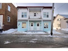 Multi-familial for a-vendre at 161 Av. Ste-Élisabeth  Louiseville, Québec J5V 1M4 Canada