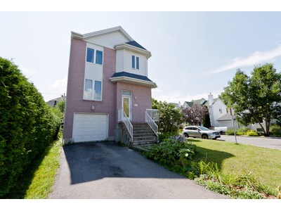 Unifamiliale for a-vendre at 3830 Rue Paul-Bourget  Laval-Ouest, Quebec H7R 5Z9 Canada