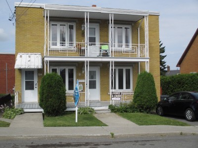 Multi-familial for a-vendre at 9 Rue Alain  Victoriaville, Quebec G6P 4X6 Canada