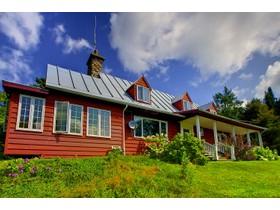 Unifamiliale for a-vendre at 1047 Ch. De Ste-Anne-Des-Lacs  Sainte-Anne-Des-Lacs, Québec J0R 1B0 Canada