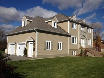 Unifamiliale for a-vendre at 711 Boul. Des Mille-Îles  Auteuil, Quebec H7J 1E5 Canada