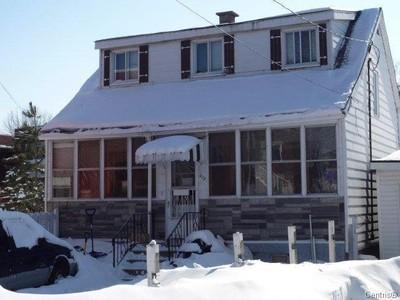 Unifamiliale for a-vendre at 210 7e Avenue  Lasalle, Quebec H8P 2M1 Canada