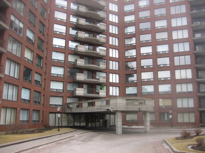 Condo / Maison de ville / Loft for a-vendre at 5900 Boul. Cavendish  Cote Saint-Luc, Quebec H4W 3G9 Canada