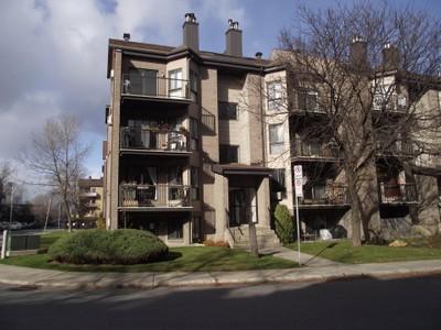Condo / Maison de ville / Loft for a-vendre at 381 Rue Lulli  Laval Des Rapides, Quebec H7N 1B5 Canada