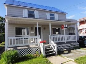 Unifamiliale for a-vendre at 475 Av. Ste-Marie  Louiseville, Québec J5V 1G4 Canada