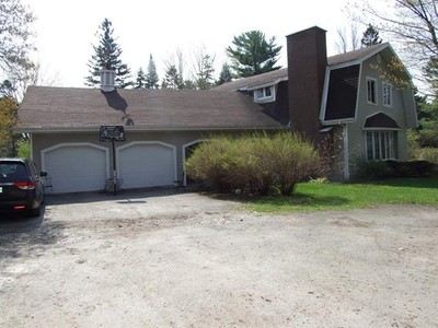 Unifamiliale for a-vendre at 1650 Rue Notre-Dame O.  Victoriaville, Quebec G6P 7M2 Canada