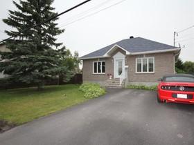 Bungalow for a-vendre at 424 Boul. D'Iberville  Saint-Jean-Sur-Richelieu, Québec J2X 3Y5 Canada