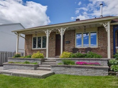 Bungalow for a-vendre at 6720 Rue Riopelle  Auteuil, Quebec H7H 1R3 Canada
