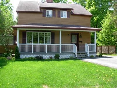 Unifamiliale for a-vendre at 181 Rue Les Peupliers  Laval Sur Le Lac, Quebec H7R 1G5 Canada