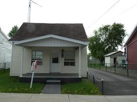 Unifamiliale for a-vendre at 231 Av. Ste-Dorothée  Louiseville, Québec J5V 1P8 Canada