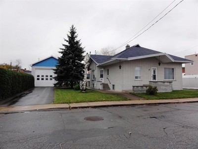 Bungalow for a-vendre at 31 Rue Bellerive  Cap De La Madeleine, Quebec G8T 6J4 Canada