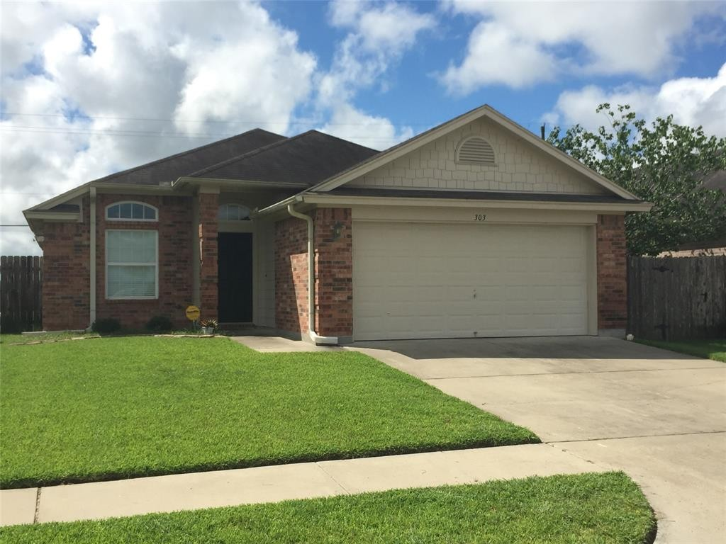 303 Sequoia Drive Victoria Texas 77904 Single Family Homes for Rent