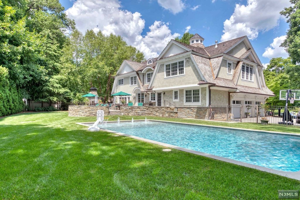 273 Cedar Court A Luxury Home For Sale In Wyckoff Bergen County New Jersey Property Id 20031258 Christie S International Real Estate