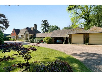 Single Family Home for sales at Upper Street, Fittleworth, Pulborough, West Sussex, RH20 Pulborough, England