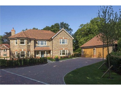 Single Family Home for sales at Bere Court Road, Pangbourne, Reading, RG8 Reading, England