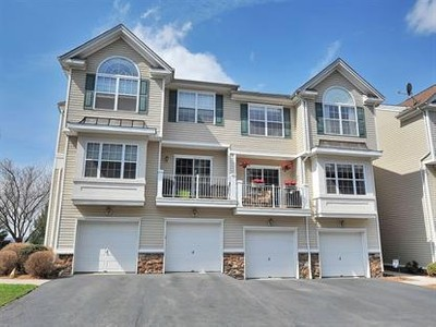 Condo / Townhouse for sales at 56 Lakeview Ct  Pompton Lakes, New Jersey 07442 United States