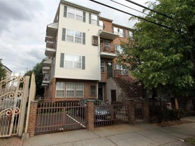 Condo / Townhouse for sales at 72 Union St  Newark, New Jersey 07105 United States
